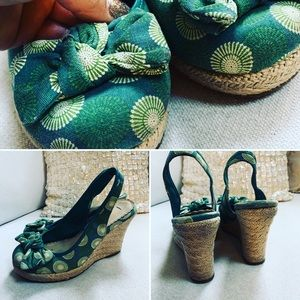 American Eagle outfitters Wedge Heels Sz 8 M Green